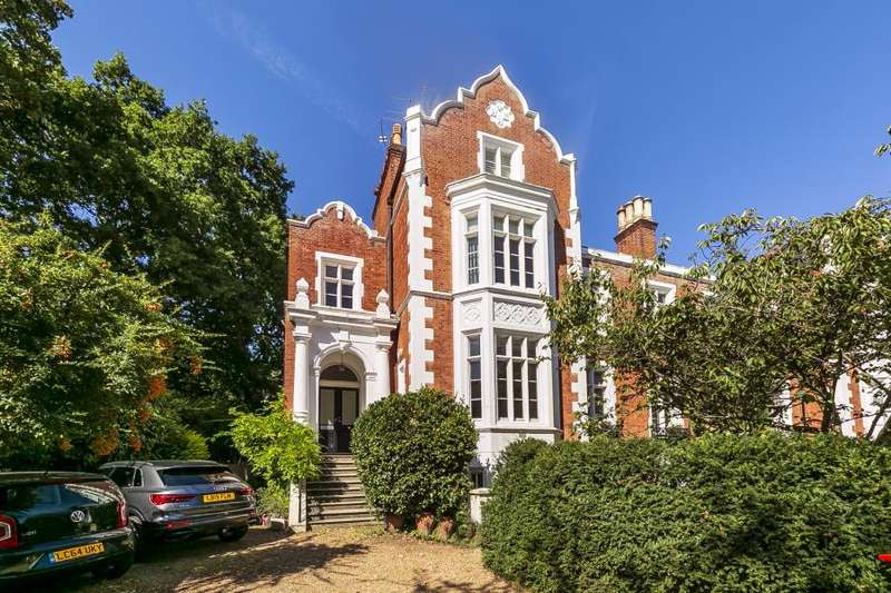 3 Bedrooms Flat for sale in Queens Road, Richmond