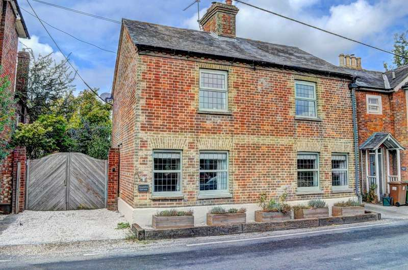 3 Bedrooms Detached House for sale in High Street, Kingston Blount