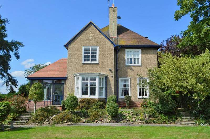 4 Bedrooms Detached House for sale in The Leys, Hornsea