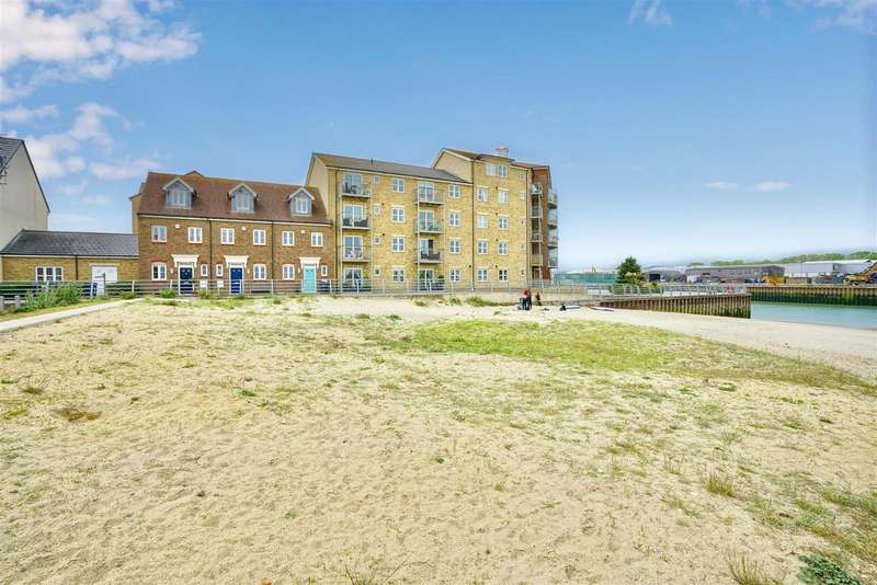 3 Bedrooms Town House for sale in Osprey Walk, Shoreham-By-Sea