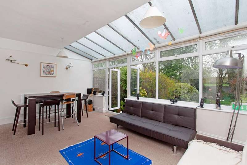 4 Bedrooms House for rent in Elers Road, Ealing, London, W13