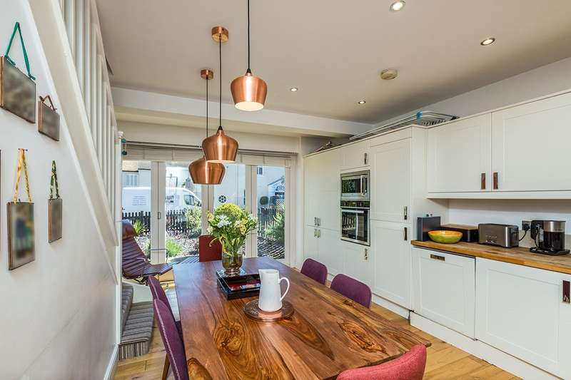 2 Bedrooms Semi Detached House for sale in Green Barn, Archive Mews, Kingshill Way, Berkhamsted, HP4