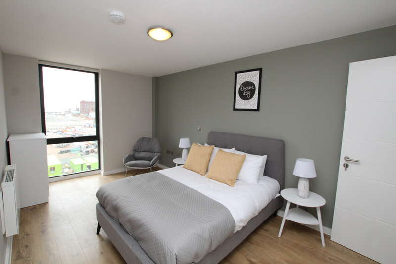 2 Bedrooms Apartment Flat for rent in Jesse Hartley Way, Liverpool, L3