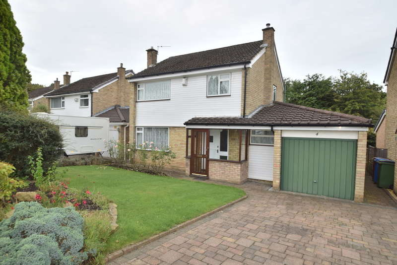 3 Bedrooms Detached House for sale in Langdale Close, Gatley