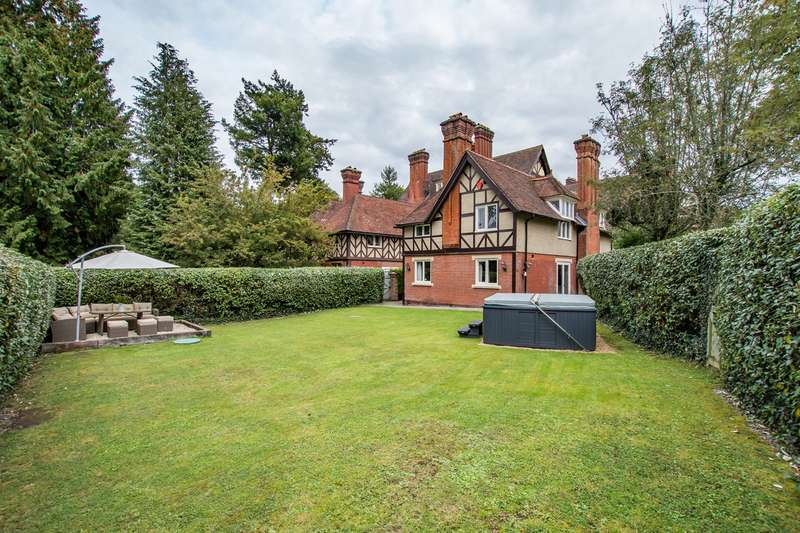 3 Bedrooms Detached House for sale in Castle Malwood Lodge, Minstead, Lyndhurst, SO43