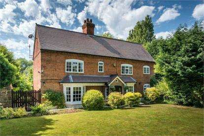 4 Bedrooms Detached House for sale in Atherstone Road, Coleshill, Birmingham, .