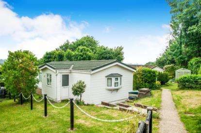 2 Bedrooms Mobile Home for sale in Old Sax Lane, Chartridge, Chesham, Buckinghamshire