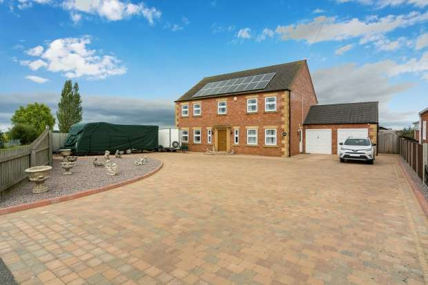4 Bedrooms Detached House for sale in Sutterton Drove, Boston, Lincolnshire, PE20 3RQ