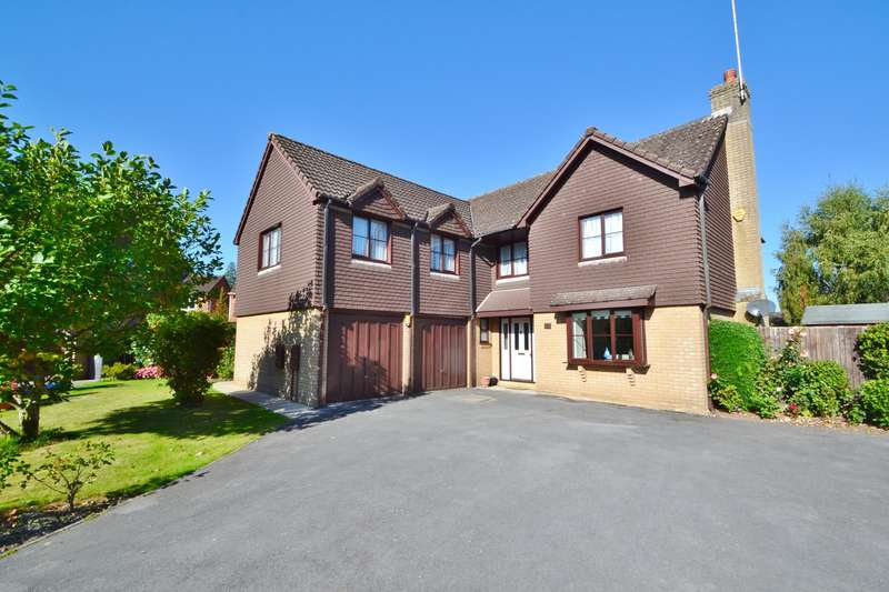 5 Bedrooms Detached House for sale in Valley Park