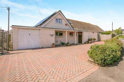 4 Bedrooms Bungalow for sale in Fowey, Cornwall, Fowey