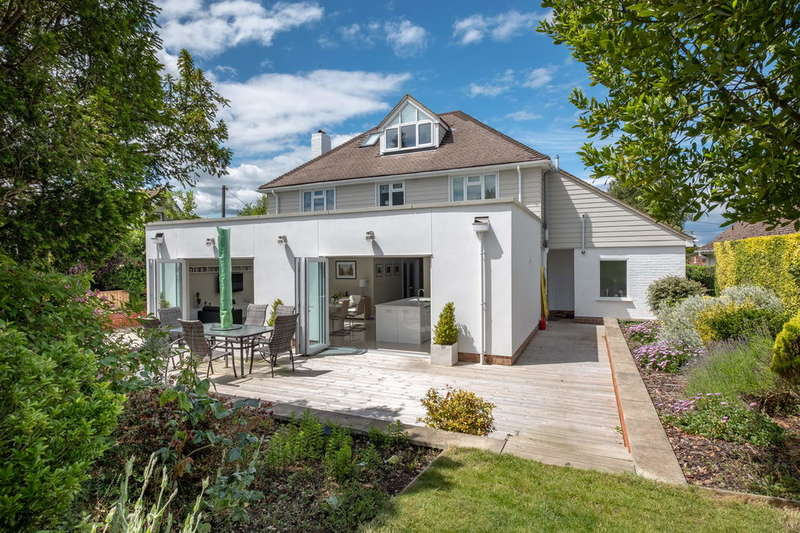 5 Bedrooms Detached House for sale in Fishbourne, Isle of Wight