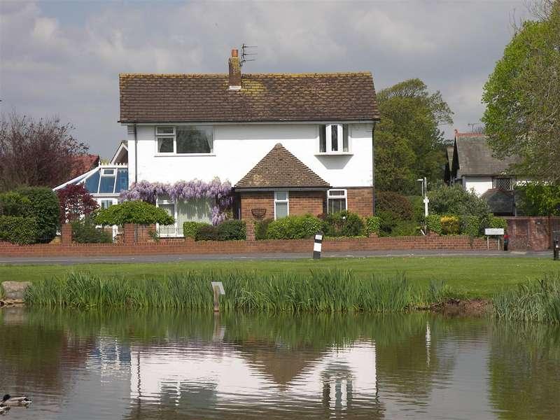 4 Bedrooms Detached House for sale in Dubside, Wrea Green, Preston