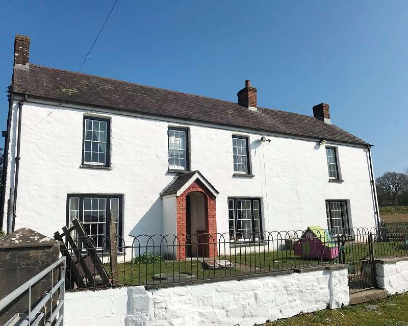 5 Bedrooms Detached House for sale in Pontcowin Farm Bancyfelin, Carmarthen, Carmarthenshire. SA33 5NB