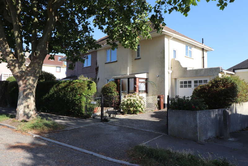 3 Bedrooms Semi Detached House for sale in Carbeile Road , Torpoint