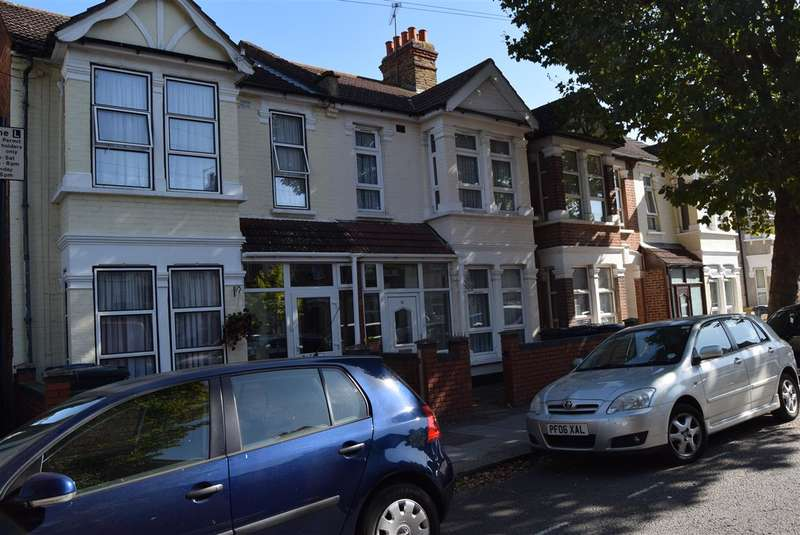 4 Bedrooms Terraced House for sale in West End Rd, Southall