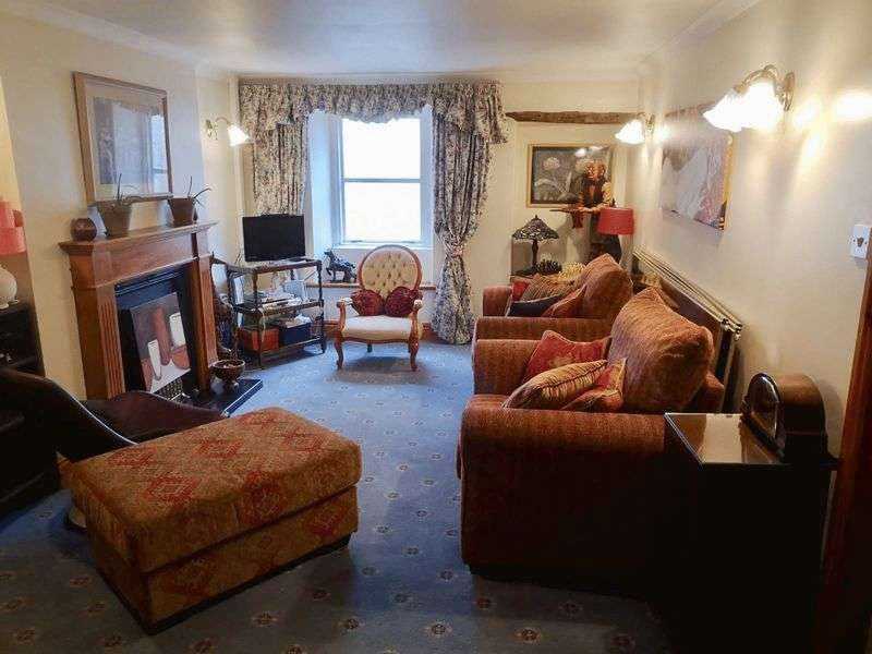 3 Bedrooms Property for sale in Market Place, Egremont