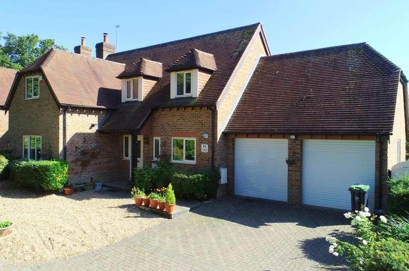 4 Bedrooms Detached House for sale in Alderholt, SP6 3AJ