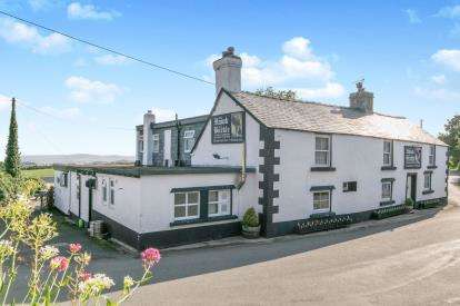 8 Bedrooms Hotel Commercial for sale in Llannefydd, Denbigh, Conwy, North Wales, LL16