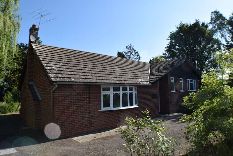 9 Bedrooms Detached Bungalow for sale in Buttons Hill Farm, Southminster Road, Althorne, Essex
