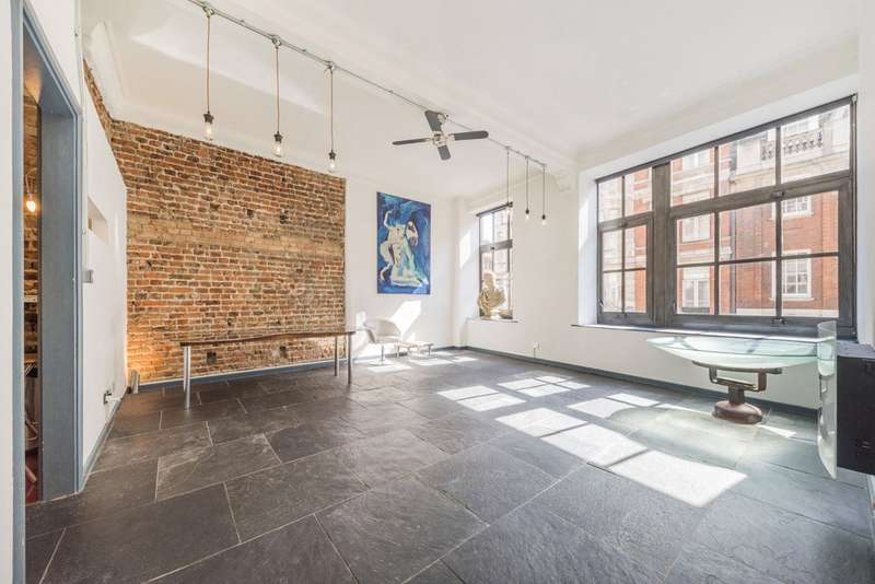 1 Bedroom Flat for sale in Dean Street, London, W1D