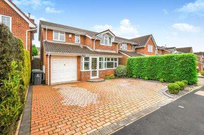 4 Bedrooms Detached House for sale in Buttermere Grove, Coppice Farm, Willenhall, West Midlands