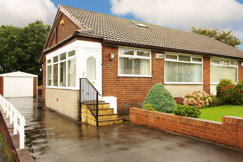3 Bedrooms Semi Detached Bungalow for sale in Cecil Street, Royton, Oldham