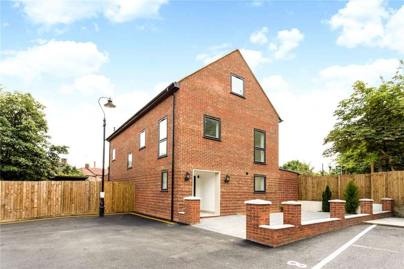 6 Bedrooms Detached House for sale in Alcott Close, Hanwell, W7