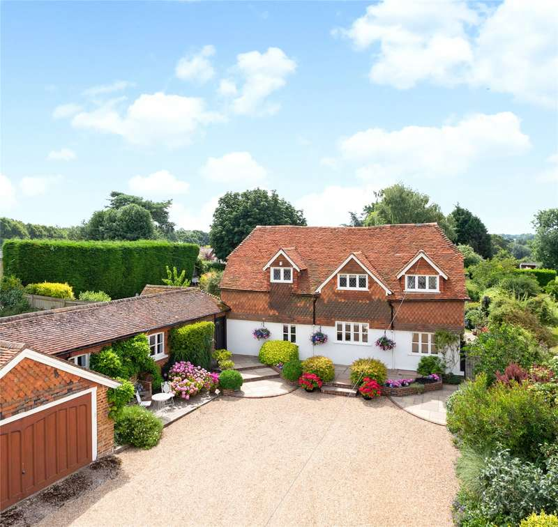 5 Bedrooms Detached House for sale in Knowle Lane, Cranleigh, GU6
