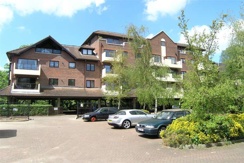 2 Bedrooms Apartment Flat for sale in Lockbridge Court, Ray Park Road, Maidenhead, Berkshire, SL6
