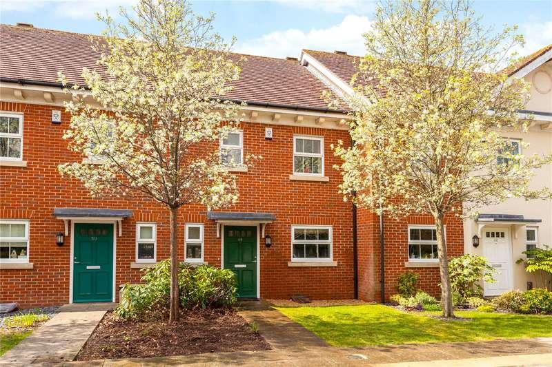 3 Bedrooms Terraced House for sale in Jago Court, Newbury, Berkshire, RG14