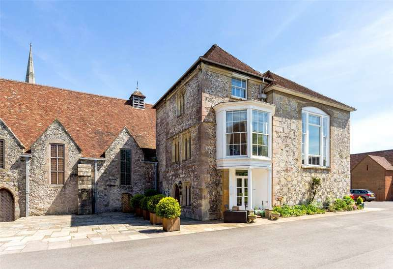 5 Bedrooms House for sale in The Close, Salisbury, Wiltshire, SP1