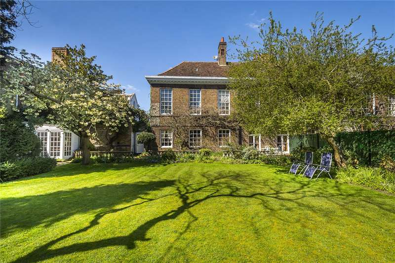 3 Bedrooms House for sale in The Wardrobe, Old Palace Yard, Richmond, TW9