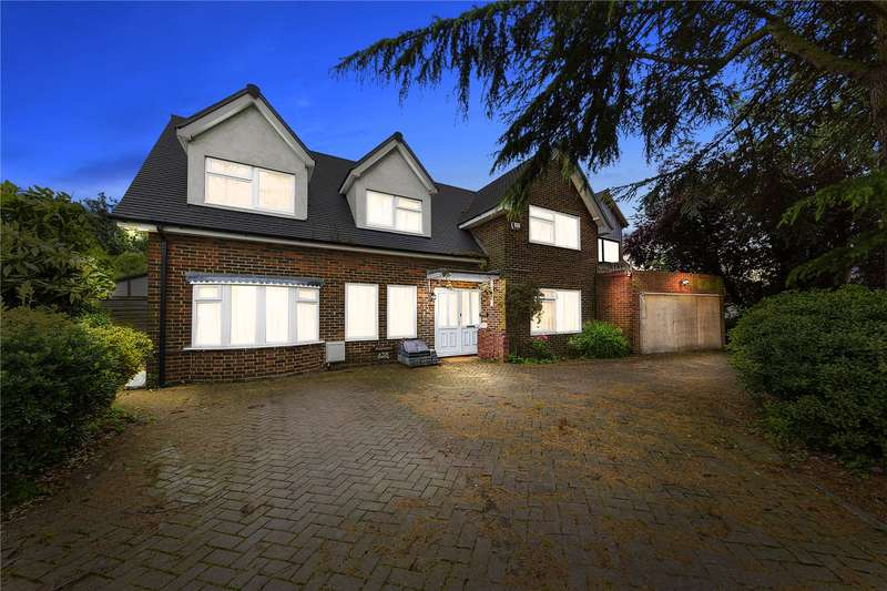 4 Bedrooms Detached House for sale in Patching Hall Lane, Chelmsford, Essex, CM1