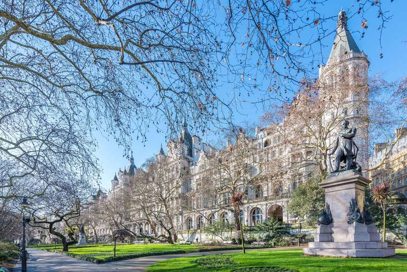 3 Bedrooms Flat for sale in Whitehall Court, Westminster, SW1A