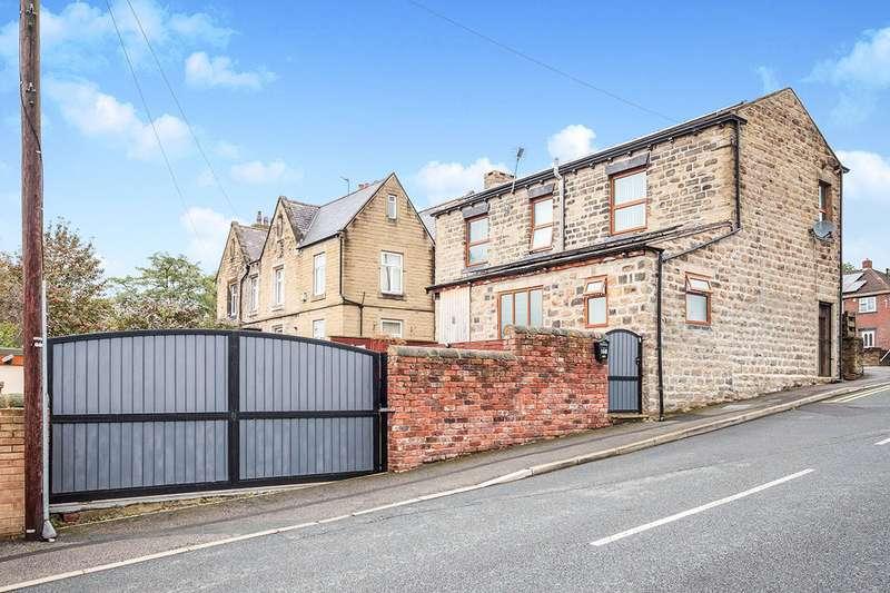 4 Bedrooms Detached House for sale in Bradford Road, Liversedge, West Yorkshire, WF15