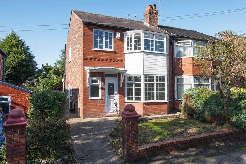 3 Bedrooms Semi Detached House for sale in Fairway, Prestwich