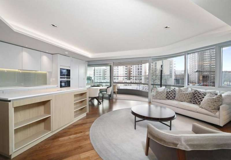 2 Bedrooms Apartment Flat for sale in Canaletto Tower, 257 City Road, EC1V