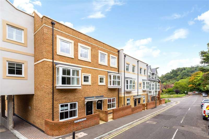 4 Bedrooms House for sale in Prime Place Row, Catteshall Lane, Godalming, Surrey, GU7
