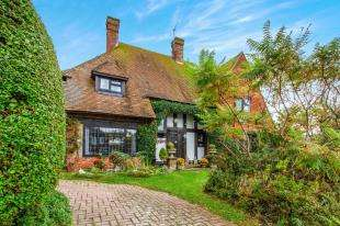 5 Bedrooms Detached House for sale in Chichester Drive East, Saltdean, Brighton, East Sussex