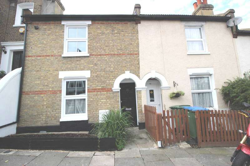 3 Bedrooms House for rent in Red Lion Lane, Shooter`s Hill, SE18 4LE