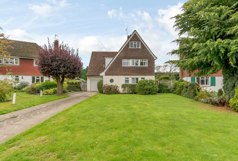 4 Bedrooms Detached House for sale in Heathfield Close, Godalming, GU7
