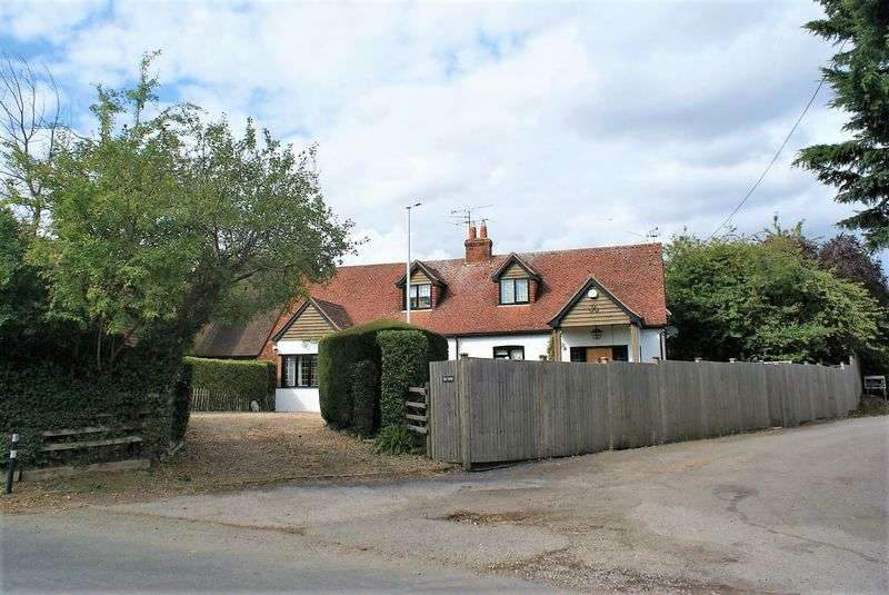 4 Bedrooms Property for sale in Milley Road Waltham St. Lawrence, Reading