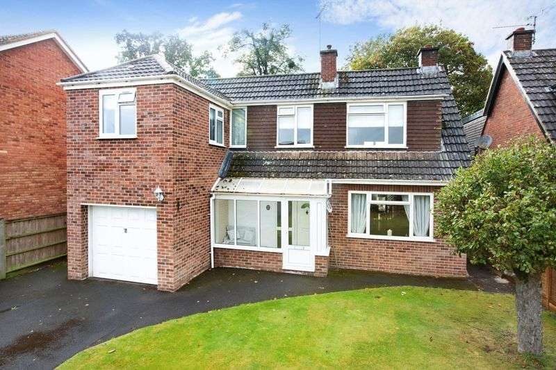 4 Bedrooms Property for sale in Cresswell Avenue, Taunton
