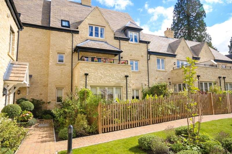 2 Bedrooms Property for sale in Penhurst Gardens, Chipping Norton