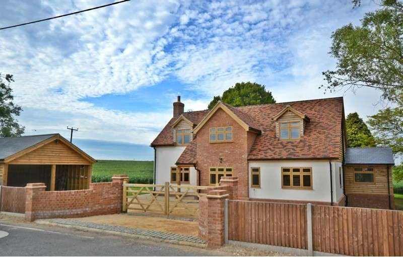 4 Bedrooms Property for sale in Cutlers Green, Thaxted, Dunmow, Essex, CM6 2PZ