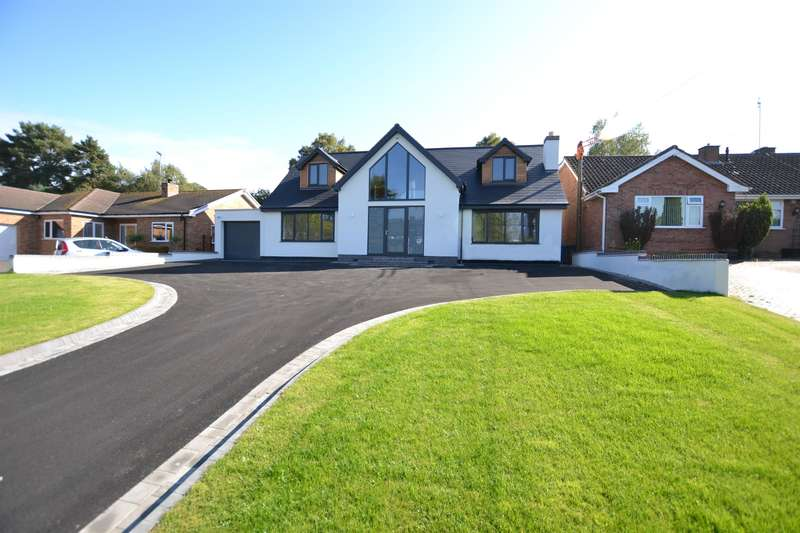 6 Bedrooms Detached House for sale in Bridgnorth Road, Stourton, DY7 6RW
