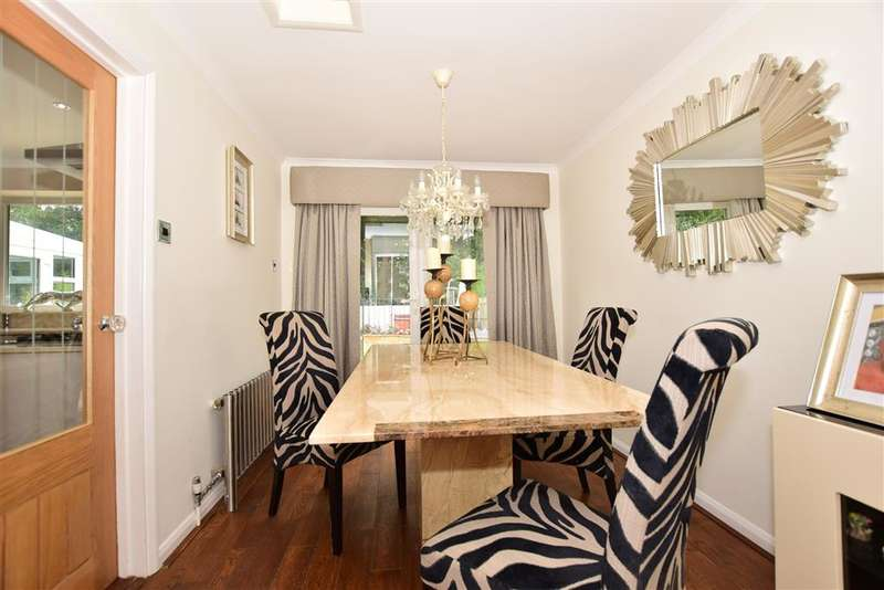4 Bedrooms Detached House for sale in Fairview Avenue, , Wigmore, Gillingham, Kent
