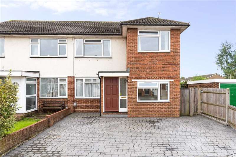 4 Bedrooms Semi Detached House for sale in Ranworth Avenue, Hoddesdon