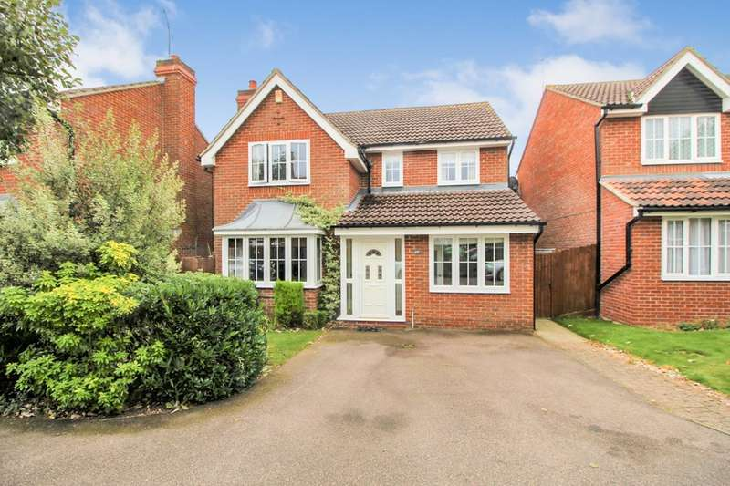 4 Bedrooms Detached House for sale in Gresley Close, Welwyn Garden City, AL8