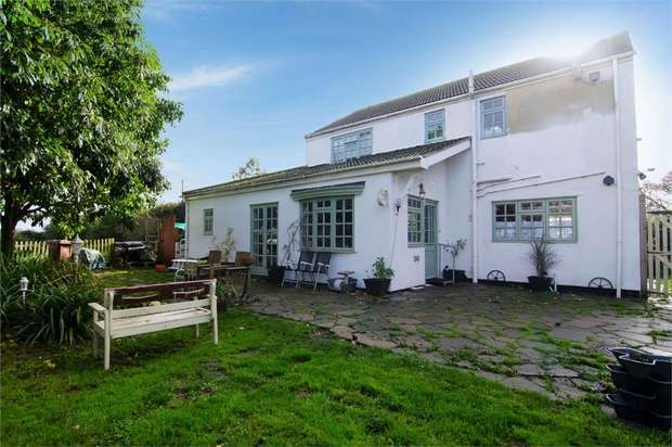 3 Bedrooms Detached House for sale in Park Lane, Leverington, Wisbech, Cambridgeshire